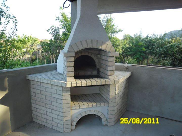 ъглово барбекю на тераса