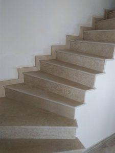 вътрешни каменни стълби извити