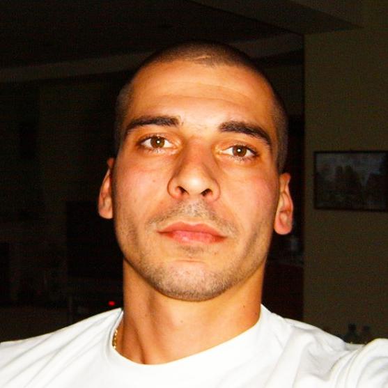 Александър Димитров е син на Димитър и Димитричка Димитрови